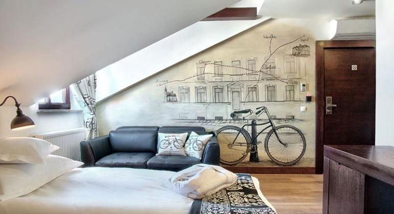 Дизайн интерьера комнаты велосипедиста.
