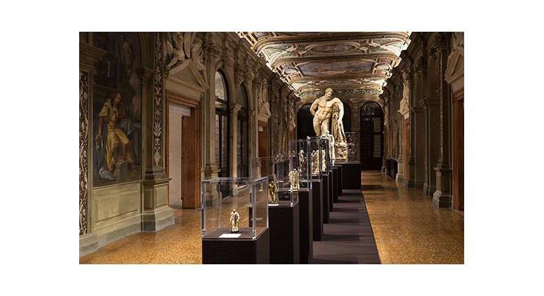 Коллекция миниатюрных скульптур в Fondazione Prada
